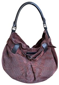 4ca57630d4d3 Burberry Bags and Purses on Sale - Up to 70% off at Tradesy