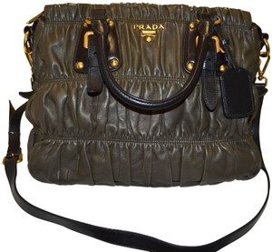 4d51e115bef15c Prada Gaufre Bags - Up to 70% off at Tradesy