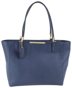 Coach Madison Cornflower Shoulder Bag