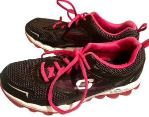 Skechers Black & pink Athletic