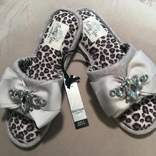 ec6cc65a5f6 Pretty You London Elodie Slippers US 5 -6 small