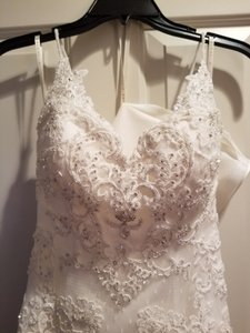 Casablanca White Lace 1975 Traditional Wedding Dress Size 4 (S)