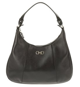 Salvatore Ferragamo Hobo Bags - Up to 90% off at Tradesy (Page 2) eedce0d617819