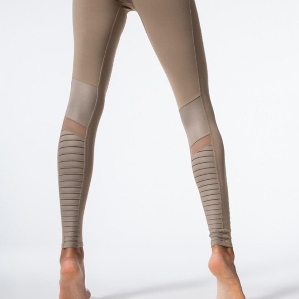 0c5099f5df99c Alo Gray New with Tags Yoga Moto In Glossy Gravel Activewear Bottoms ...