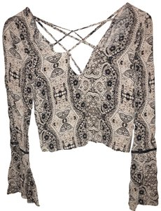 Kendall + Kylie Top black and multicolor