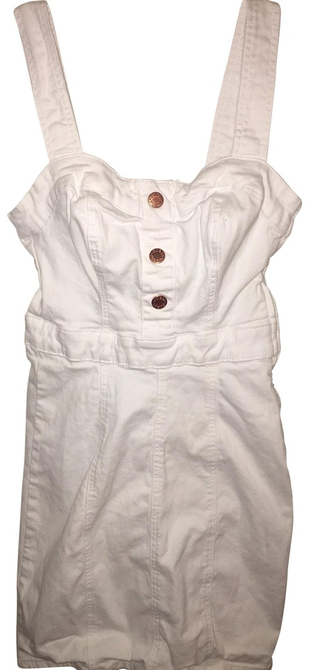 701e804214b7 Guess White and Gold None Short Casual Dress Size 2 (XS) 65% off retail