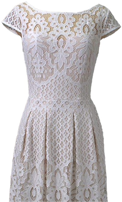 Item - Off White Lace Mid-length Cocktail Dress Size 6 (S)