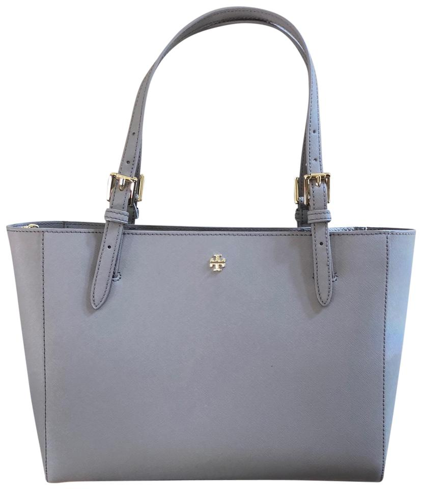 ca12df75f155 Tory Burch Back To School Gift Leather Holiday  Tote in French gray Image 0  ...
