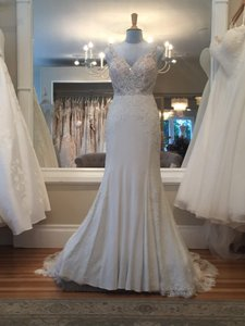 Martina Liana Ivory Lace On Natural Bellagio Crepe with Java Tulle Illusion 845 Vintage Wedding Dress Size 6 (S)