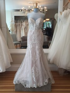 Essense of Australia Ivory Lace and Tulle Over Moscato Satin D2451 Formal Wedding Dress Size 10 (M)