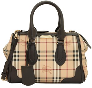 7d125879a07c Burberry Pouches - Up to 70% off at Tradesy (Page 2)