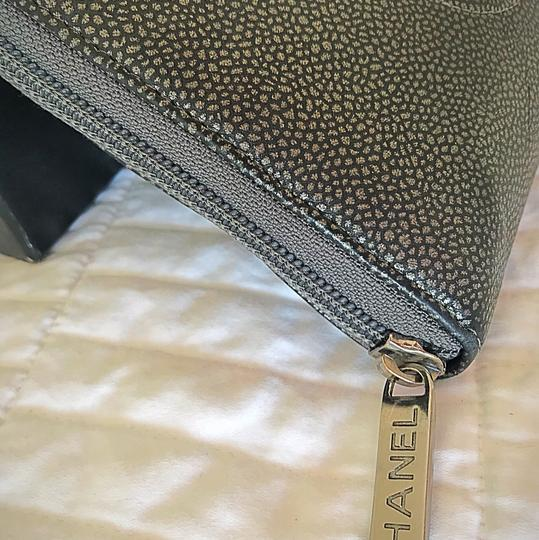 Chanel Zipped CHANEL leather wallet Image 1