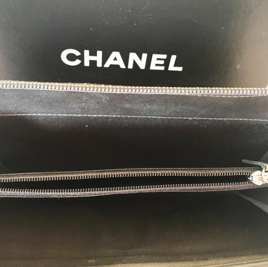 Chanel Zipped CHANEL leather wallet Image 3
