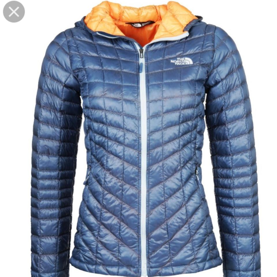4c0393b0c The North Face Cool Blue Thermoball Hoodie Jacket Activewear Size 4 (S) 45%  off retail