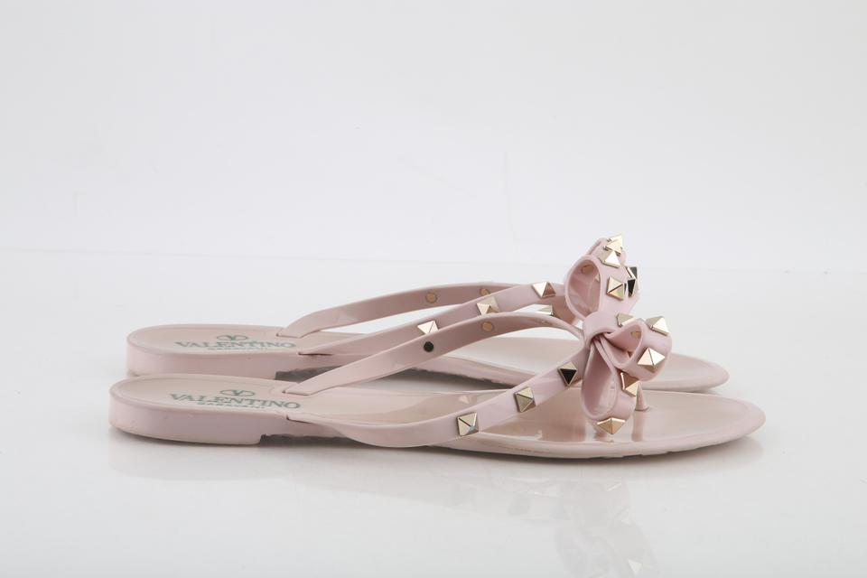 877d6a614fc4 Valentino Pink Water Rose Pvc Thong Rockstud Bow Sandals Size US 9 Regular  (M