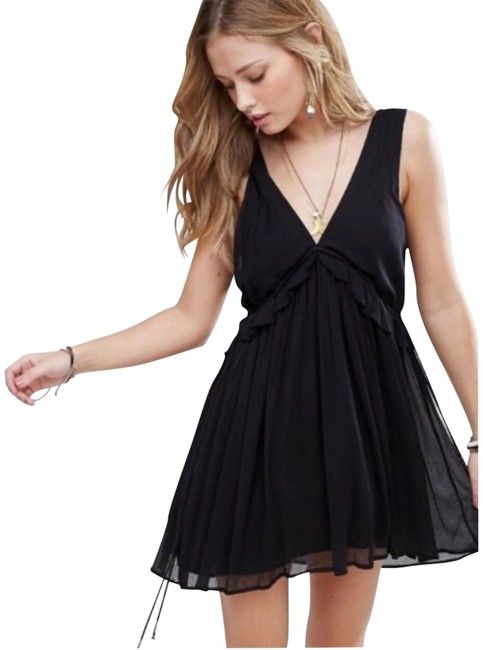 Preload https://img-static.tradesy.com/item/24097299/free-people-black-sleeveless-short-casual-dress-size-8-m-0-1-650-650.jpg