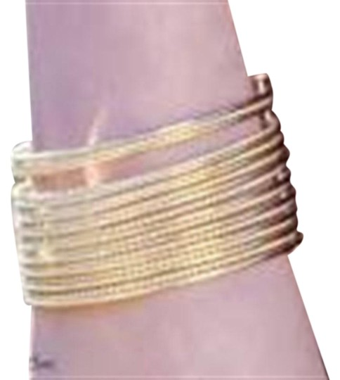 Preload https://img-static.tradesy.com/item/24097432/park-lane-gold-flair-bracelet-0-1-540-540.jpg