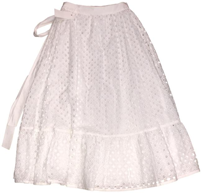 Preload https://img-static.tradesy.com/item/24097542/tory-burch-white-rare-eyelet-bow-skirt-size-4-s-27-0-2-650-650.jpg