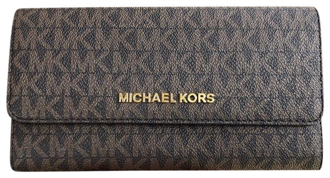Michael Kors Jet Set Travel Pvc Large Trifold Brown Mk Mulberry Wallet Michael Kors Jet Set Travel Pvc Large Trifold Brown Mk Mulberry Wallet Image 1