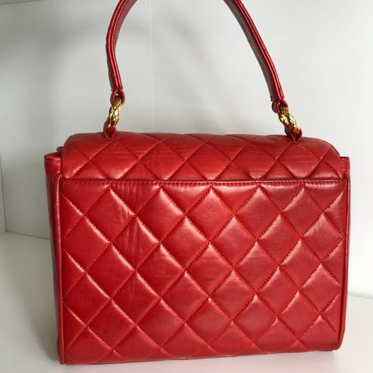 Chanel Satchel in red Image 1