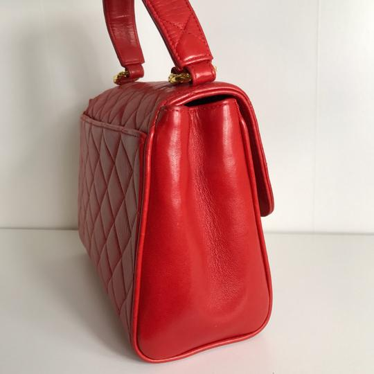 Chanel Satchel in red Image 2
