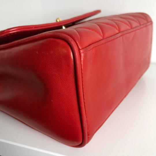 Chanel Satchel in red Image 4