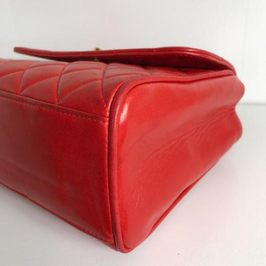 Chanel Satchel in red Image 5
