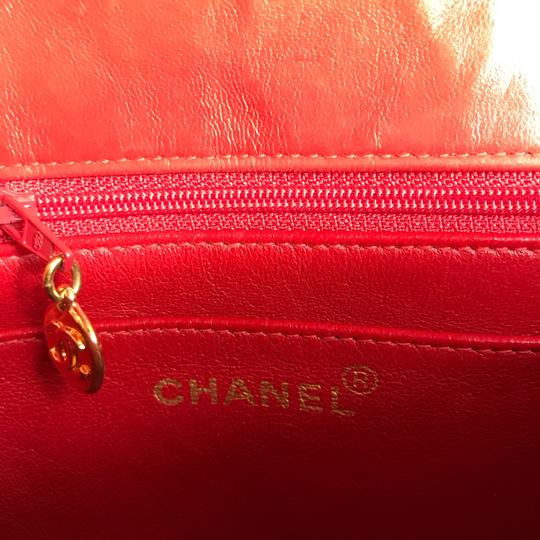 Chanel Satchel in red Image 7