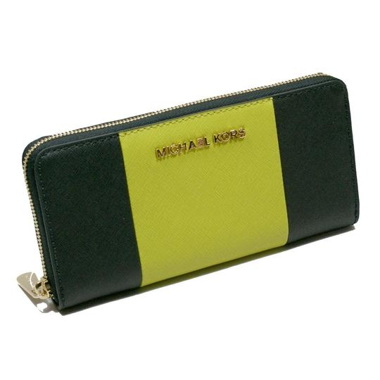 Preload https://img-static.tradesy.com/item/24097690/michael-kors-black-apple-green-jet-set-center-stripe-zip-around-continental-large-clutch-wallet-0-0-540-540.jpg
