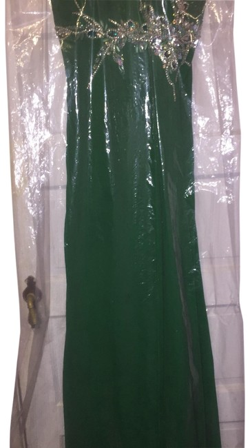 Preload https://img-static.tradesy.com/item/24097874/faviana-green-prom-long-formal-dress-size-10-m-0-1-650-650.jpg
