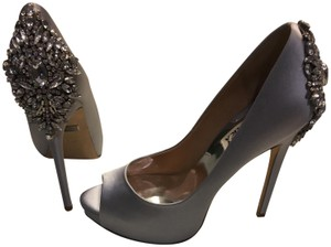 Badgley Mischka light silver Pumps