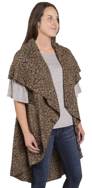 Tan and Brown Leopard Animal Print Woven On The Scarf/Wrap Tan and Brown Leopard Animal Print Woven On The Scarf/Wrap Image 1