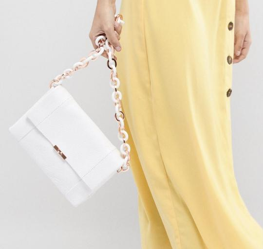 Ted Baker Acrylic Chain Metal Chain Shoulder Bag Image 7