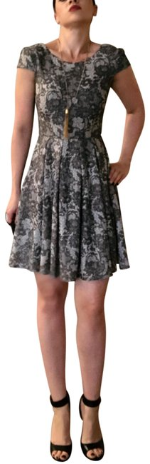 Item - Gray White Floral Paisley Lace A Line Party Mid-length Night Out Dress Size 6 (S)