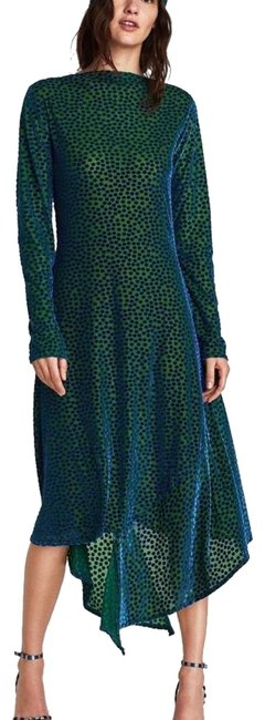 Preload https://img-static.tradesy.com/item/24099204/zara-green-polka-dot-mid-length-casual-maxi-dress-size-6-s-0-1-650-650.jpg