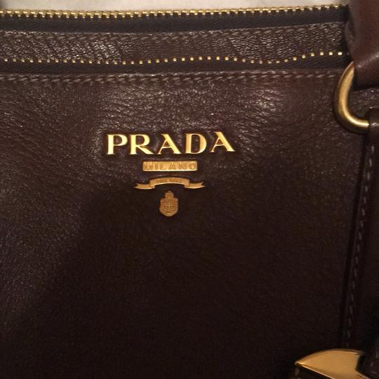 Prada Tote in brown Image 3