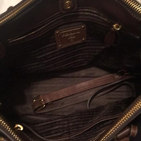 Prada Tote in brown Image 6