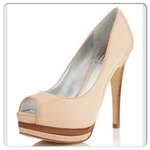 Pelle Moda Natural Pumps