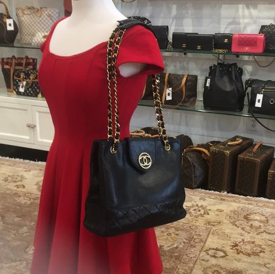 Chanel Classic Vintage Lambskin Supermodel Tote in Black Image 11