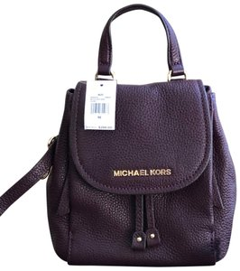 Michael Kors Winter Leather Cross Body Bag