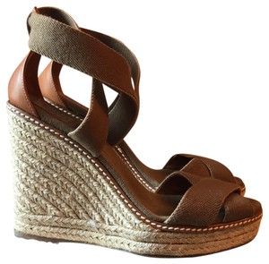 Tory Burch warm brown/tan Wedges