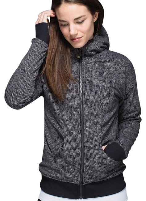 Preload https://img-static.tradesy.com/item/24100255/lululemon-giant-herringbone-black-embrace-hoodie-activewear-outerwear-size-6-s-0-1-650-650.jpg