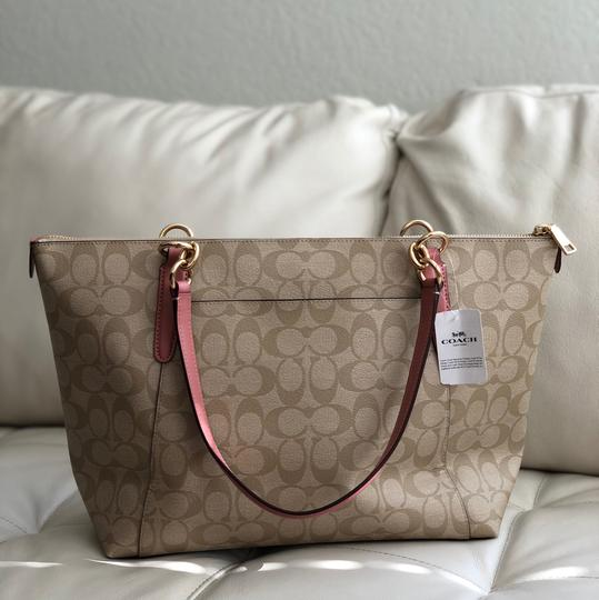 Coach Tote in Vintage Pink/Light Khaki Image 4