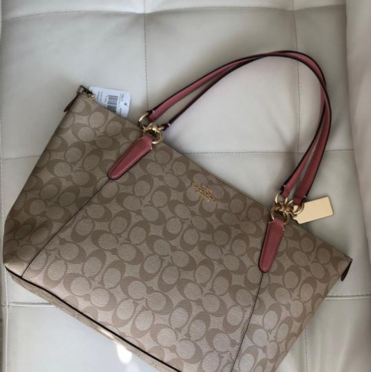 Coach Tote in Vintage Pink/Light Khaki Image 7