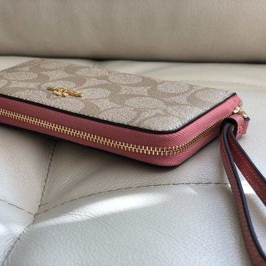 Coach Tote in Vintage Pink/Light Khaki Image 8