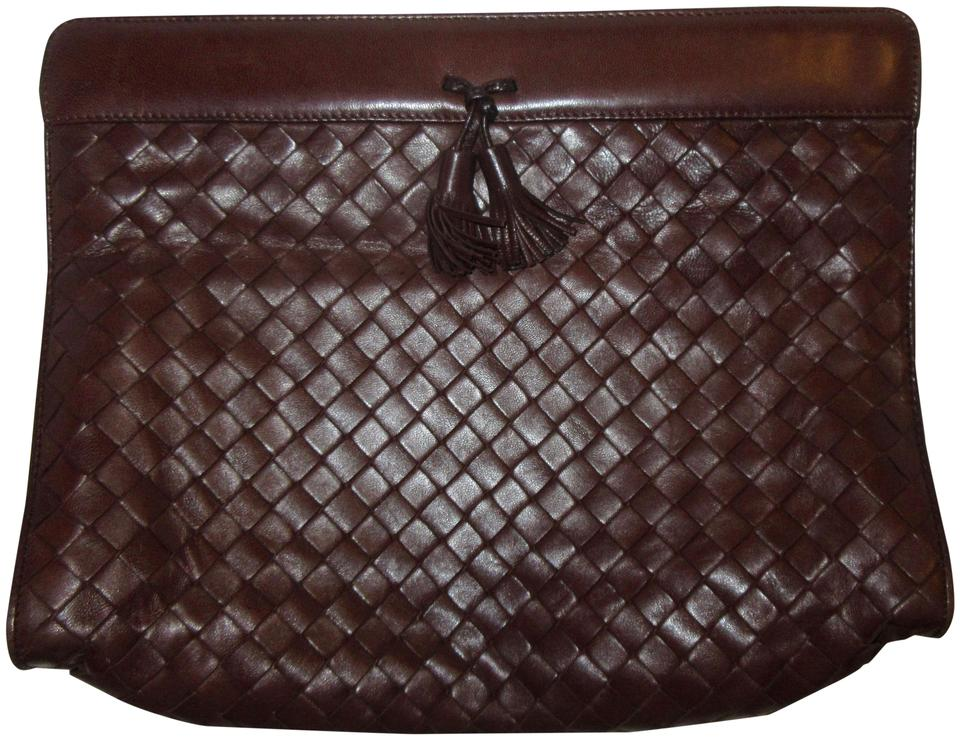 d6cd8bfb55318 Bottega Veneta Lambskin Leather Intrecciato Vintage 1970s Lambskin Brown  Clutch Image 0 ...