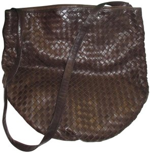 dd3b5b9ee00f Bottega Veneta Lambskin Leather Intrecciato Vintage 1970s Shoulder Bag