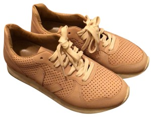 Veja Sustainable Clean Nude/Pink Athletic