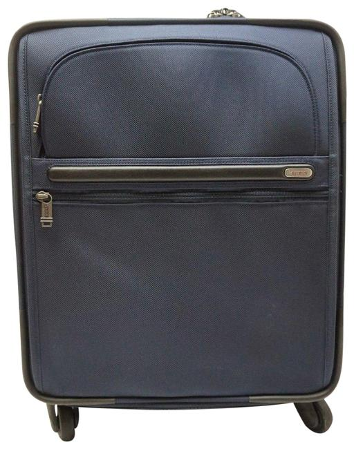 Item - Expandable International Gen4 Carry-on Spinner Navy Luggage 22061 Blue Nylon Weekend/Travel Bag