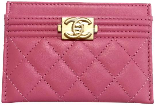 Preload https://img-static.tradesy.com/item/24101728/chanel-pink-boy-2018-limited-cc-cardholder-card-holder-leather-gold-hardware-wallet-0-1-540-540.jpg